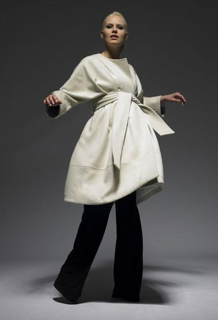 The Grace Coat in white